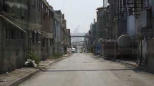 heavily-polluted-laundry-area-of-istanbul-where-many-refugees-work-bbc-photo