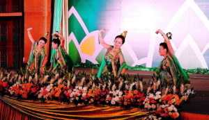 myanmar-dancers-at-asean-conference