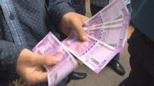 indias-new-2000-rupee-notes