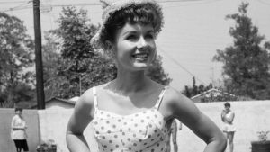 actress-debbie-reynolds