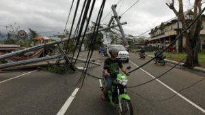 philippines-hit-by-typhoon-nock-ten-1