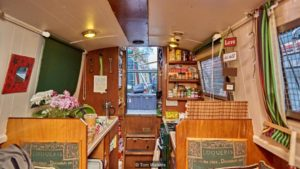 small-houseboat-in-london