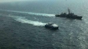 pattaya-hua-hin-ferry-and-navy-frigate