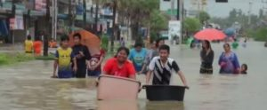 people-cope-with-floods-in-southern-thaialnd