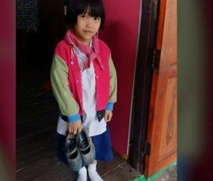 Nong Dear, second grade student in Nan