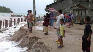 Giant waves erode Koh Libong